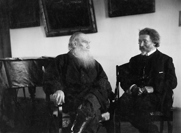 Leo Tolstoy and Ilya Repin. 1908, Yasnaya Polyana.