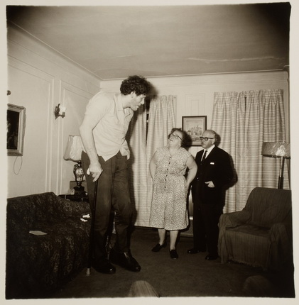 Arbus, Diane.