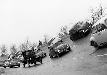 "Production record: ""Beetles"" overtakes Ford-T. 