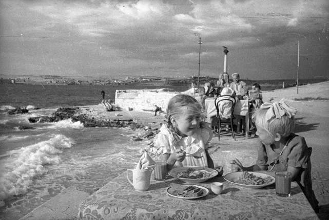 Lunch in the kindergarten by the sea. Sevastopol. 1944