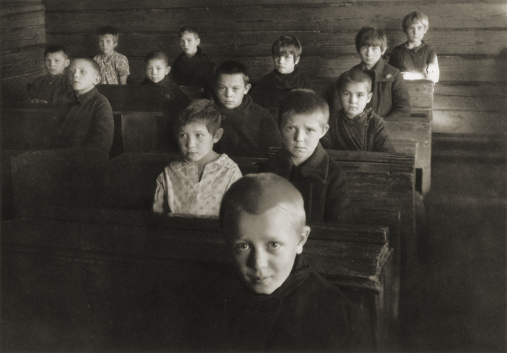Margaret Bourke-White «At a Village School», 1930. From the collection of the «Moscow House of photography»