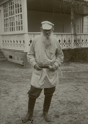 Leo Tolstoy near the terrace of his house in the Yasnaya Polyana homestead. 1909.