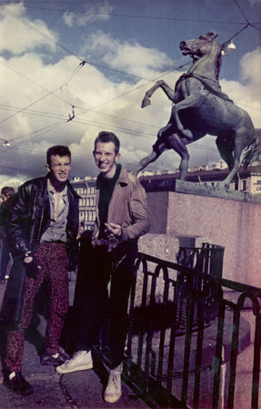 Villy and Lyosha Klein by the horses of Anichkov bridge. Leningrad.