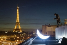 Private moon. Journey to Paris