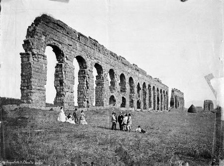 Pompeo Molins.
